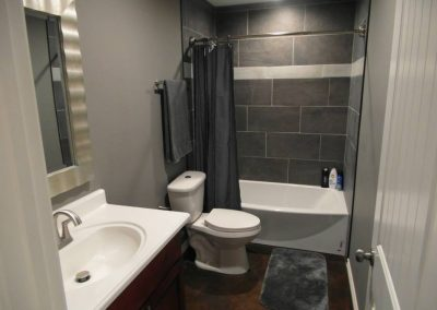 crosswise-custom-homes-bathrooms-8
