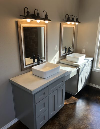 custom-bathroom-crosswise-homes-west-texas