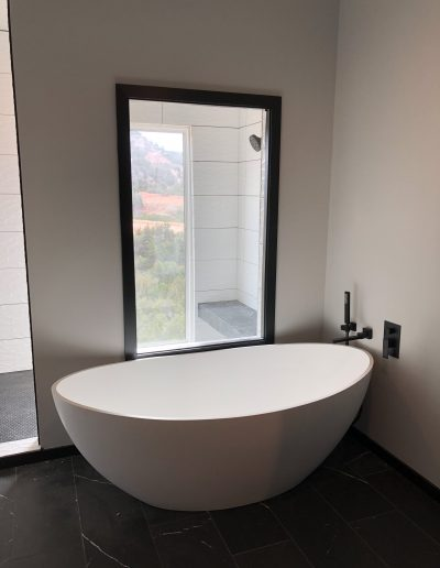 modern luxury bath tub